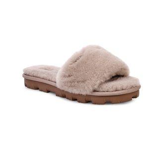 NEW UGG® Cozette Genuine Shearling Slipper